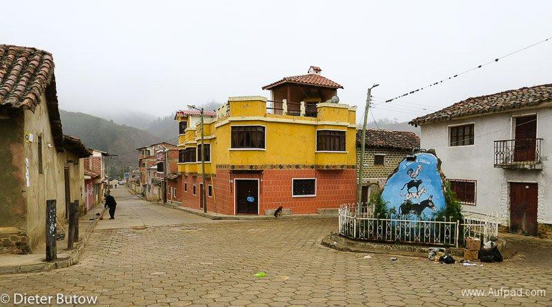 Bolivia-Ruta del Ché to Sucre-34