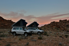 Toyota Landcruiser testing the roof tent