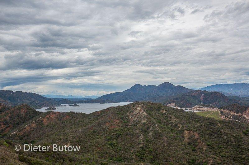 Col 3 Desierto de Tatacoa and the polluted Rio Bogota-102