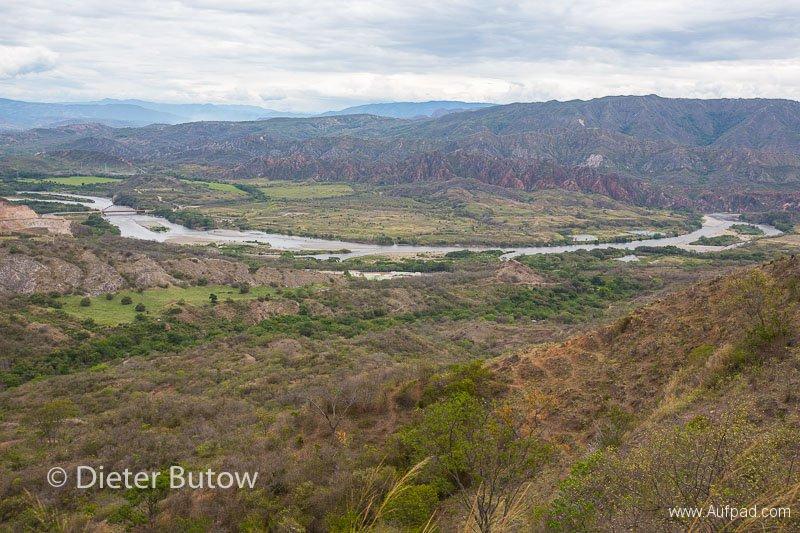 Col 3 Desierto de Tatacoa and the polluted Rio Bogota-101