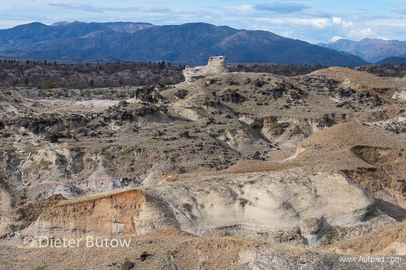 Col 3 Desierto de Tatacoa and the polluted Rio Bogota-109