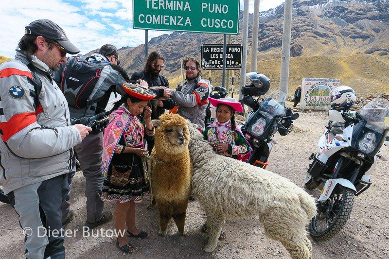 Peru Lago Titicaca Puno to Cusco-20
